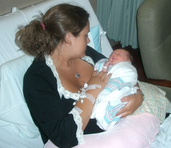 mommy-with-brittain-in-hospital.jpg