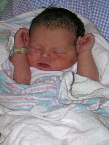 Brittain - newborn_ed21.jpg
